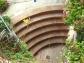 Bild runder Treppenabgang Weingut